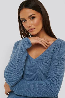 NA-KD Deep Front V-neck Knitted Sweater