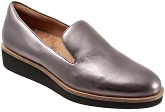 SoftWalk Westport Leather Loafer