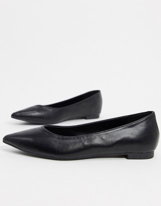 Truffle Collection faux leather pointed ballet flats in black