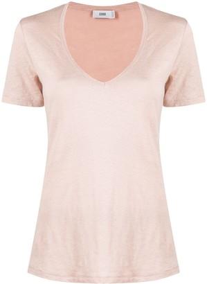 Closed scoop neck short-sleeve T-shirt