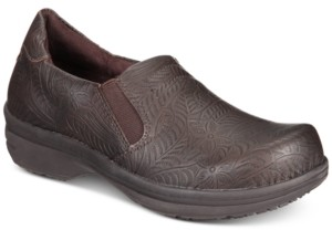 Easy Street Shoes Easy Works by Bind Slip Resistant Clogs Women's Shoes