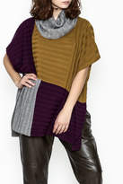 Fraas Color Block Poncho