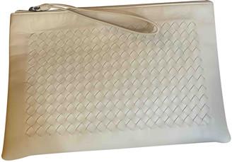 Bottega Veneta Veneta White Leather Clutch bags