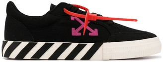 Off-White Off White Vulcanized low-top sneakers