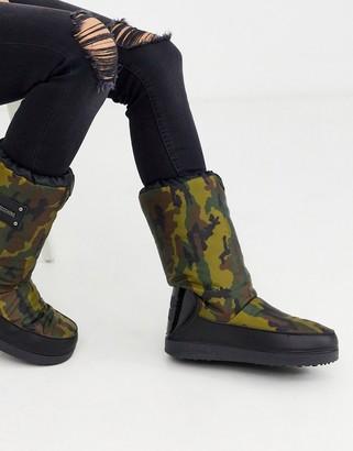 Love Moschino camo snow boots-Blue