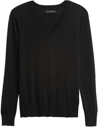Banana Republic Washable Merino V-Neck Sweater