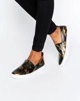 London Rebel Slip On Sneaker