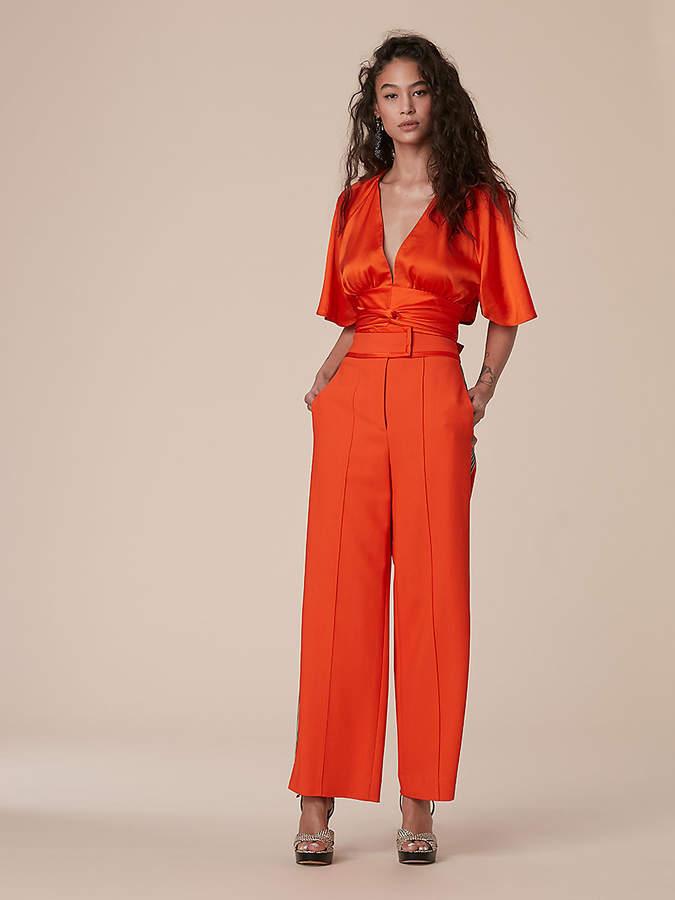 Diane von Furstenberg Short-Sleeve V-Neck Front Tie Blouse