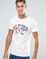 Tommy Hilfiger T-Shirt With Floral Infill Logo In White In Regular Fit