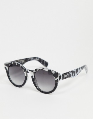 A. J. Morgan AJ Morgan round sunglasses in grey and tortoise ombre