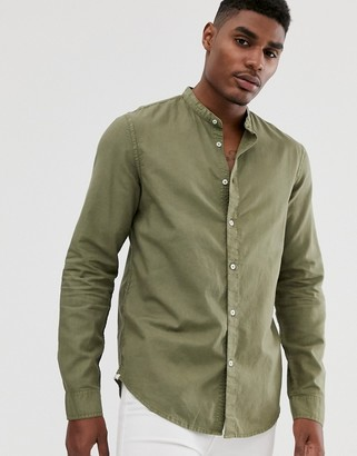 Bershka grandad collar shirt in khaki-Green