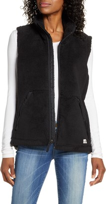 The North Face Campshire 2.0 Faux Fur Vest