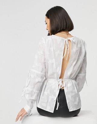 ELVI tiered tie sleeve top in white