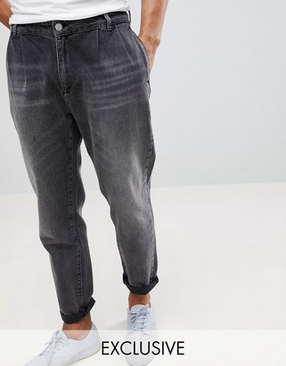 Noak Double Pleat Tapered Jean in Washed Black