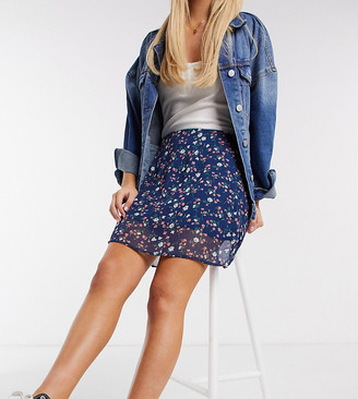 Wednesday's Girl mini skirt in vintage floral