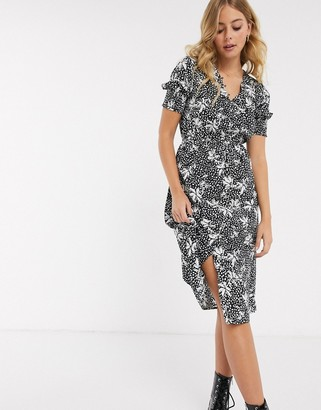Influence shirred sleeve midi dress with button front in mono floral print