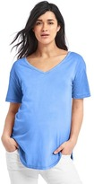 Gap Short sleeve V-neck vintage wash tee