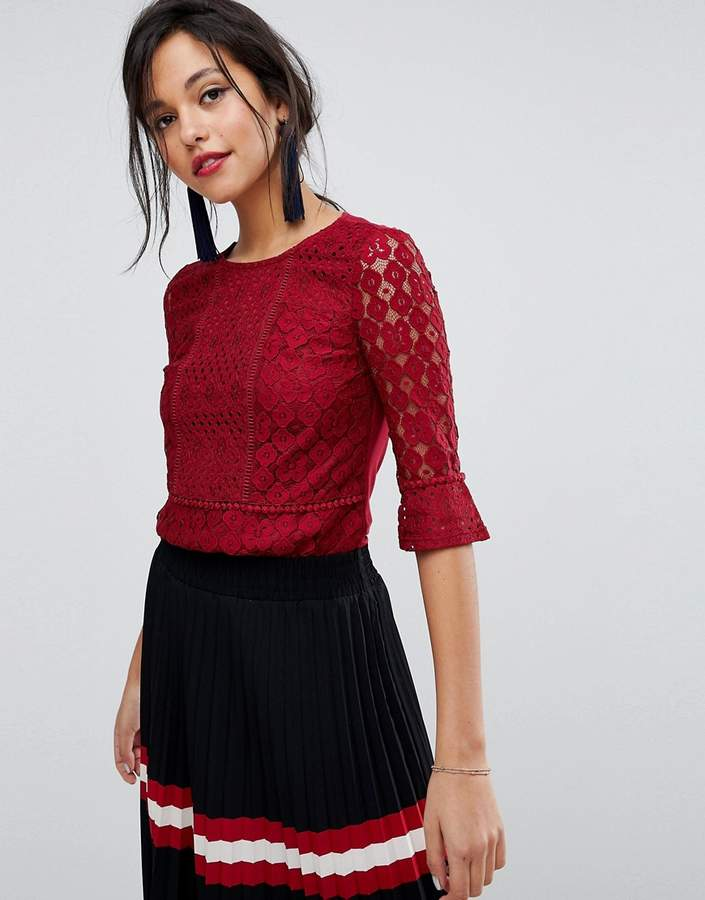 Oasis Fluted Sleeve Lace Top