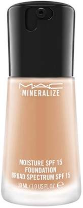 M·A·C Mineralize Moisture Spf 15 Foundation