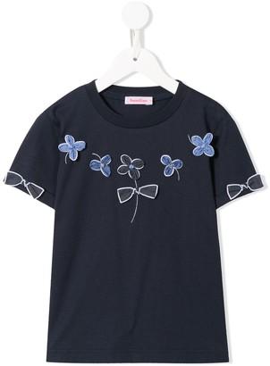 Familiar flower applique T-shirt