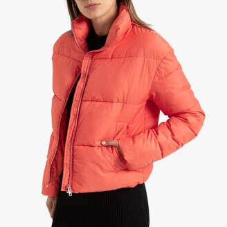 Lightweight Cropped Padded Puffer Jacket with Integrated Hood and Pockets