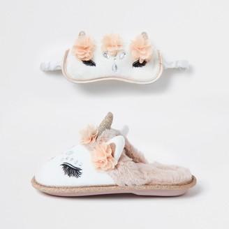 River Island Girls Cream unicorn slipper sleep set