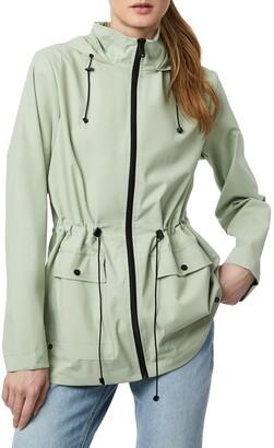 Bernardo Micro Breathable Hooded Rain Jacket