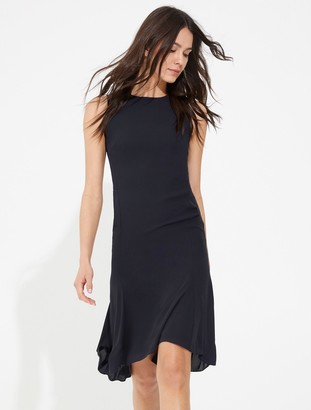 Halston Ruched back zipper detail flowy dress
