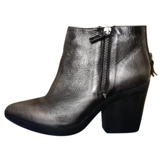 Vic Matié Silver Leather Ankle boots