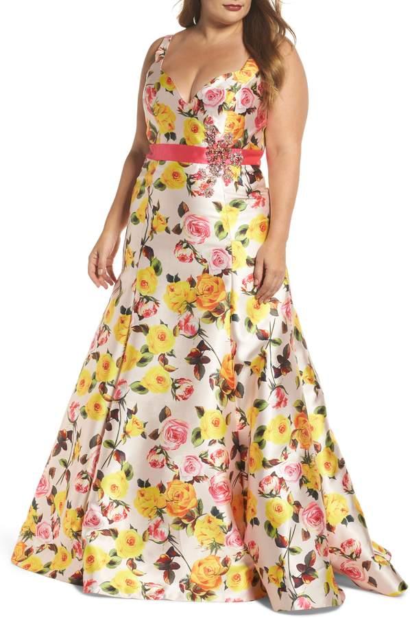 Mac Duggal Floral Trumpet Gown