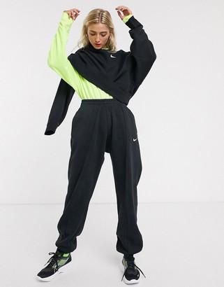 Nike Trend Fleece loose fit cuffed sweatpants in black
