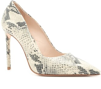 Schutz Lou Pointy Toe Pump Women)