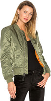 Alpha Industries MA-1 W Bomber in Green. - size M (also in S)