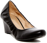 Naturalizer Hyde Wedge Pump