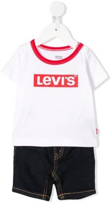 Levi's logo-print T-shirt and jeans set