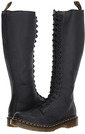 1B60 20 Eye Zip Boot