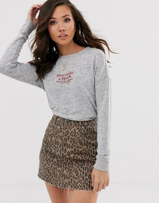 Abercrombie & Fitch cozy logo top in gray