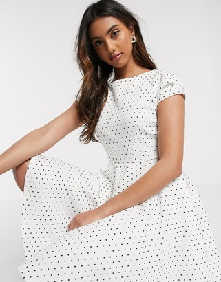 Closet London short sleeve skater dress in white polka print