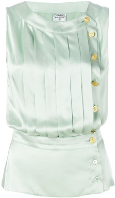Chanel Pre-Owned buttoned pleated blouse
