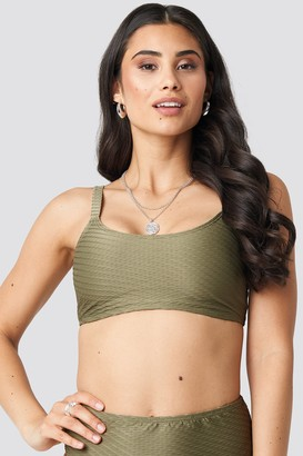 NA-KD Structured Sporty Straight Bikini Top