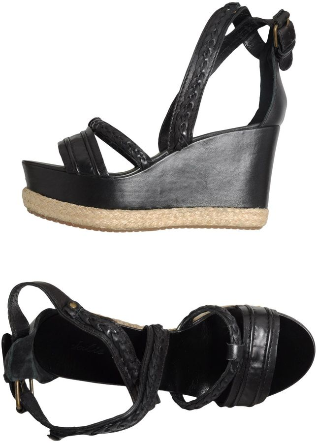 Julie Dee Wedges