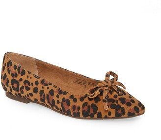 Seychelles In Theme Pointed Toe Bow Flat
