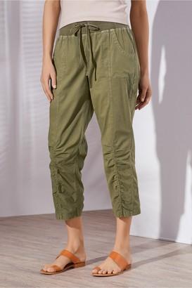 Petites Summer Fun Ruched Crop Pants