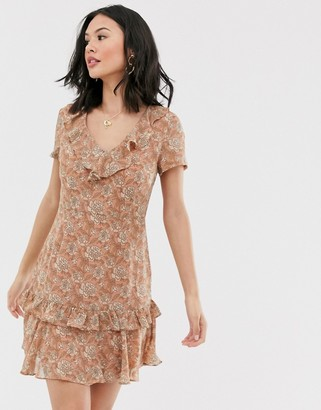 Glamorous tea dress with ruffle detail in tonal floral-Pink