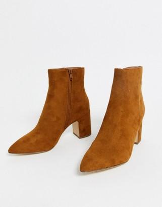 New Look block heeled boot in tan