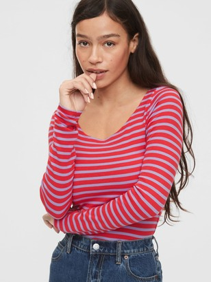 Gap Modern Scoopneck T-Shirt