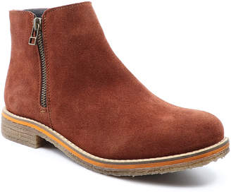 Bos. & Co. Women's Casual boots RUST - Rust Buss Suede Ankle Boot - Women