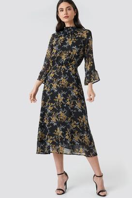NA-KD High Smock Neck Chiffon Dress