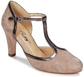Betty London ITARAME women's Heels in Brown