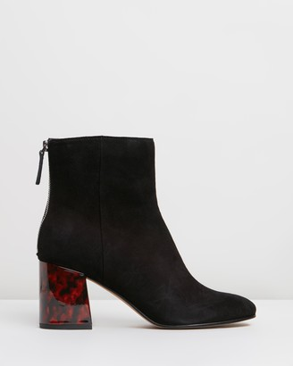 Dolce Vita Vidal Suede Ankle boots